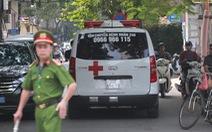 Thanh niên nhảy lầu ở Nghĩa Đô đã chết, nghi giết 2 cô gái do mâu thuẫn tình cảm