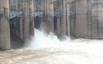 Video: Thủy điện Trị An tăng lưu lượng xả tràn gấp 3 lần