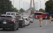 Kẹt xe cầu Rạch Miễu: Không chỉ do cầu hẹp