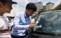 Cả triệu ôtô chưa dán thẻ, sao thu phí không dừng?