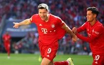 Lewandowski lập cú đúp, Bayern Munich thắng dễ 10 người Cologne