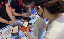 Hàng ngàn khách đặt cọc mua iPhone giá 40-50 triệu, đắt hơn nước ngoài