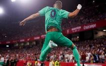 Benzema lập công đưa Real Madrid lên nhì bảng