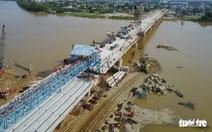 Hợp long đập dâng hạ lưu ngăn mặn giữ ngọt sông Dinh Ninh Thuận