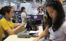 'Choáng' với phí thẻ tín dụng