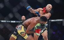Đấm đối thủ hai lần, võ sĩ có cú knock-out chỉ sau 8 giây