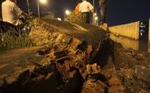 Video: Bờ bao bị vỡ, trăm hộ dân ngập trong biển nước