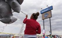 Các siêu thị lớn ở Mỹ bắt đầu 'sợ' súng