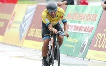 Đạp xe bể vỏ về đích, Jordan Parra đánh mất áo vàng
