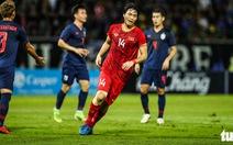 Video màn trình diễn của Tuấn Anh trước Thái Lan khiến CĐV ngất ngây