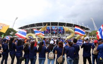 Video cổ động viên Thái Lan 'thị uy' trước đại chiến Thái Lan - Việt Nam