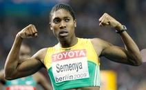 VĐV điền kinh nữ vô địch Olympic bị nghi ngờ là nam... chuyển sang đá bóng