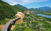Ngắm cao tốc La Sơn - Túy Loan xuyên vườn quốc gia Bạch Mã