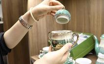 Độc đáo phiên chợ đồ gốm trong quán cafe