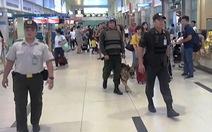 Mang nhiều phụ kiện súng lên máy bay, một hành khách bị xử lý