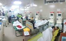 Hơn 100 học sinh, giáo viên nhập viện ở TP.HCM nghi ngộ độc khi du lịch
