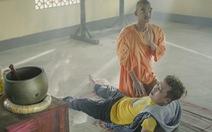 '30 chưa phải tết' của Trường Giang hoãn chiếu vì yếu tố Phật giáo?