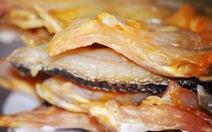 Quà tết ê hề, tôi nhớ hoài bát cơm cá khô ăn kèm dưa hấu