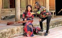 Ở Bến Nhà Rồng hát 'Thăm Bến Nhà Rồng', ca sĩ Thái Bảo rưng rưng