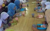 Malaysia cấp bữa sáng miễn phí cho học sinh nghèo