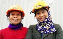 Ngắm nụ cười tươi vui của lao động nghèo ngày cuối năm