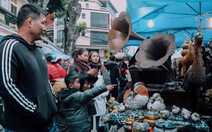 Độc đáo chợ đồ cổ mỗi năm họp một lần tại Hà Nội