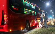 Xe khách 40 chỗ nhồi nhét 82 người, tài xế không xuất trình được giấy phép lái xe