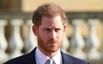 Hoàng tử Harry nói ra đi, lòng vẫn hướng về nước Anh