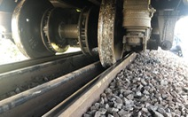 Tàu SE7 trật ray, đường sắt Bắc - Nam gặp sự cố