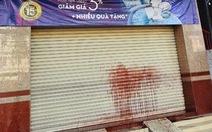 Bắt khẩn cấp nhóm cho vay lãi 150%/tháng, 'khủng bố' nạn nhân bằng chất bẩn