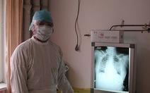 Bác sĩ nổi tiếng tuyên bố virus lạ ở Vũ Hán 'kiểm soát được' đã nhiễm Corona