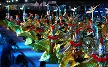 'Sen' theo nghệ sĩ Việt đến Lễ hội diễu hành đường phố Chingay Singapore