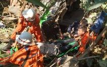 Tai nạn thảm khốc: Xe buýt đâm trực diện xe hơi, 19 người thiệt mạng