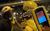 Nghe mức xử phạt theo luật mới, tài xế 'có rượu bia' phản ứng dữ dội