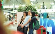 Hành khách ngỡ ngàng với món quà tết ngàn đô tại sân bay