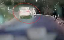 Ôtô cố tình tông đuôi xe máy làm người phụ nữ mang thai thiệt mạng?