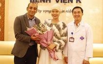 Nữ sinh viên bị ung thư thi duyên dáng được tặng 13 liệu trình thuốc đặc trị