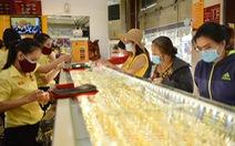 Giá vàng thế giới tiếp tục giảm sốc, về ngưỡng 1.800 USD/ounce