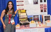 Nữ sinh làm máy chống lãng phí thực phẩm