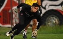 Văn Lâm và Muangthong United đá lại trận gặp Port dù đã được xử thắng 2-0
