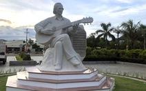 Khánh thành tượng nhạc sĩ Trịnh Công Sơn bên bờ biển Quy Nhơn