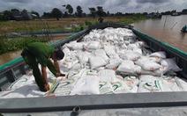 Bắt quả tang 2 vợ chồng vận chuyển 100 tấn đường cát nghi nhập lậu