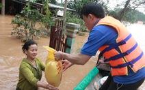 Cả xã với hơn 1.700 hộ dân bị ngập, cô lập