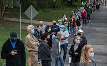 Cử tri Mỹ sốt ruột đi bỏ phiếu sớm, nhiều trục trặc phát sinh