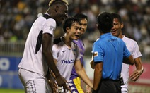 HLV CLB Hoàng Anh Gia Lai: 'Nhờ người hâm mộ đánh giá trọng tài'