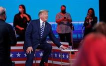Trả lời chất vấn cử tri, ứng viên Biden được cho 'bài tập dễ'