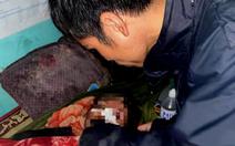 Sạt lở đất làm sập nhà, bé gái 10 tháng tuổi chết thảm