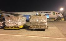 Các hãng hàng không Việt Nam đồng loạt nhận chuyển hàng cứu trợ ra miền Trung miễn phí