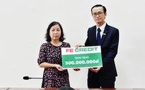Fe Credit trao 300 triệu đồng cho gia đình liệt sĩ Phạm Văn Hướng