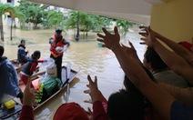 200 bệnh nhân bị cô lập tại bệnh viện ở rốn lũ Quảng Bình